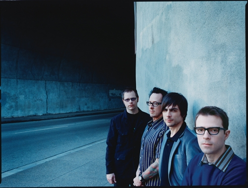 Weezer Will Be Droppin' It Like Its Hot In June