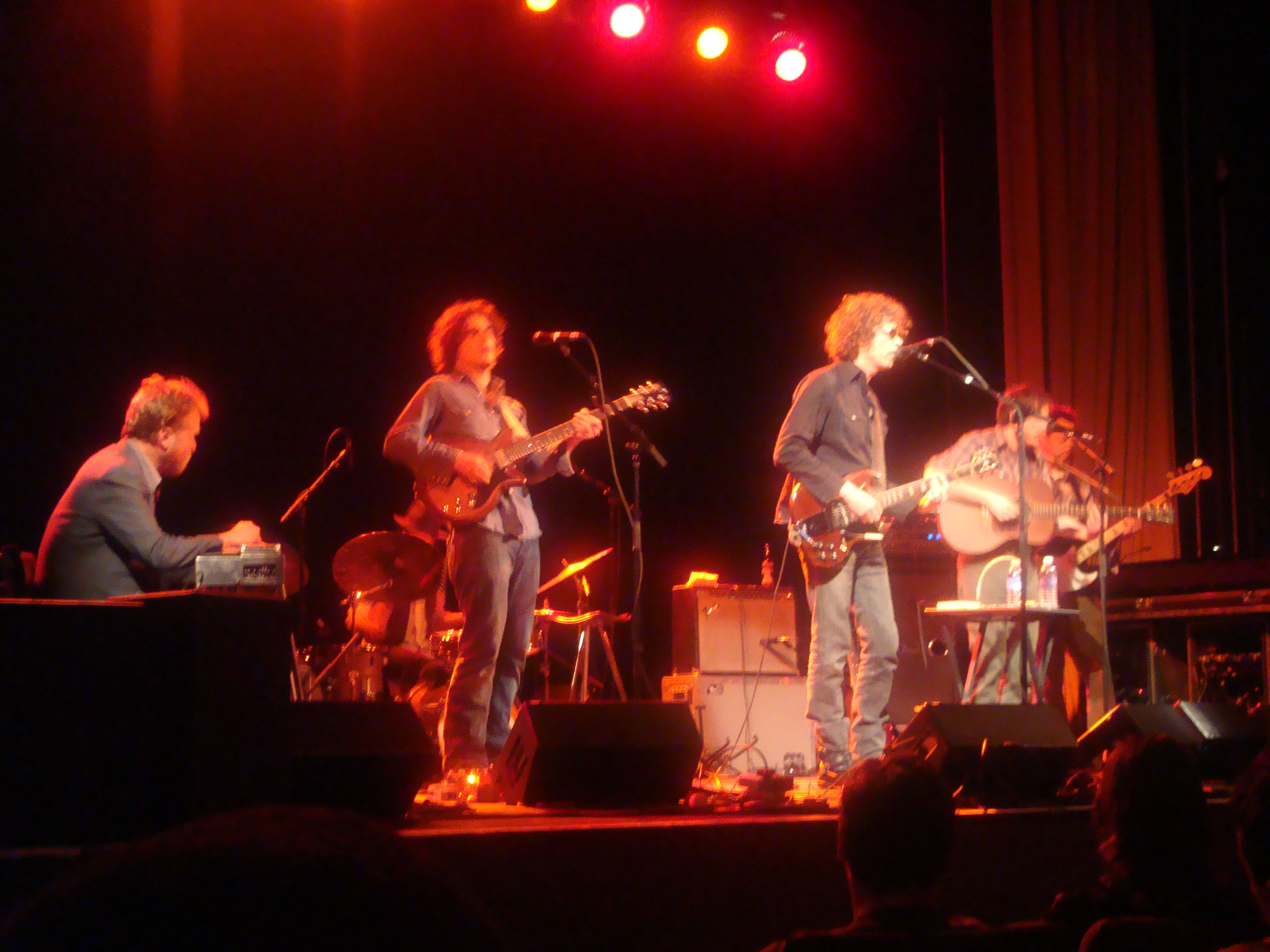 Concert Review: Gary Louris at Somerville Theater