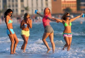 SPRING-BREAKERS-Image